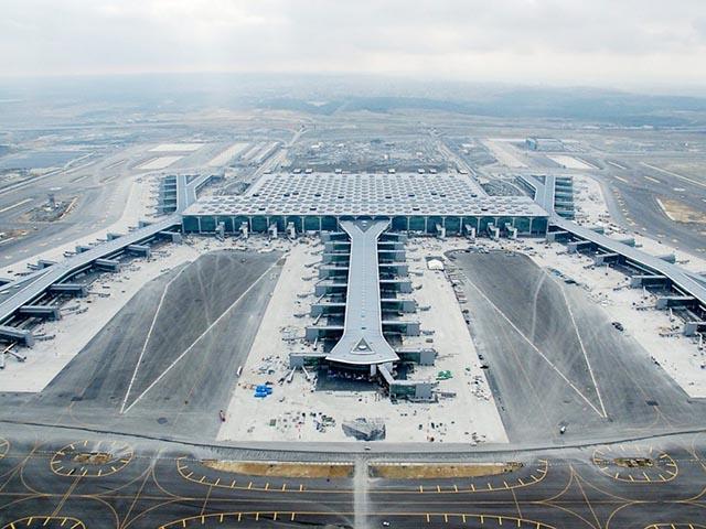 Giải phóng mặt bằng sân bay